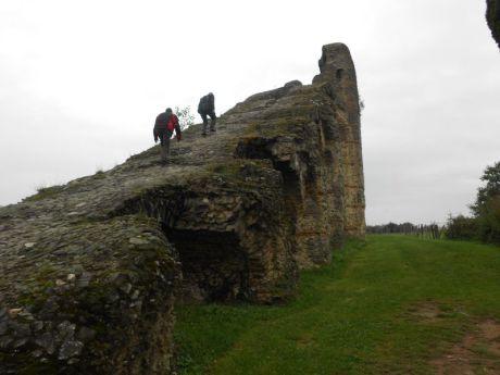 06- A l'assaut du monument