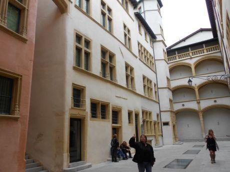 13- La cour du musée Gadagne