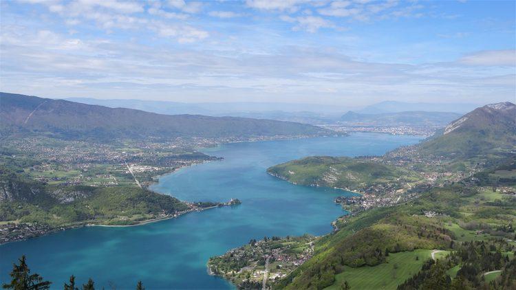 au-dessus du lac d'Annecy