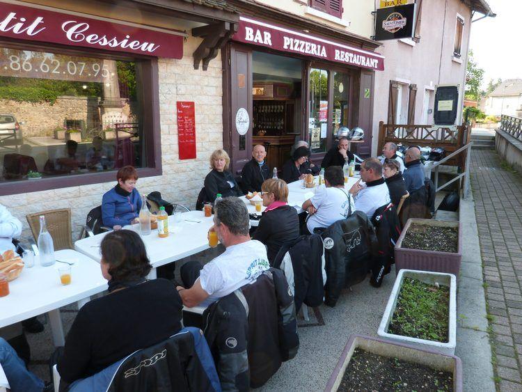petit déjeuner à Cessieu
