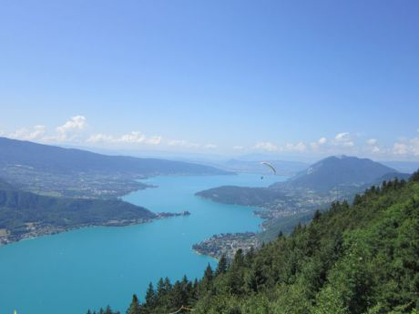 Le lac d'Annecy depuis le col de la Forclaz