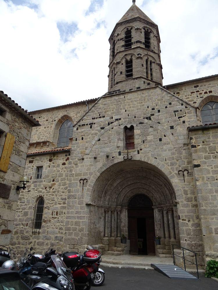 église St Médard de Saugues
