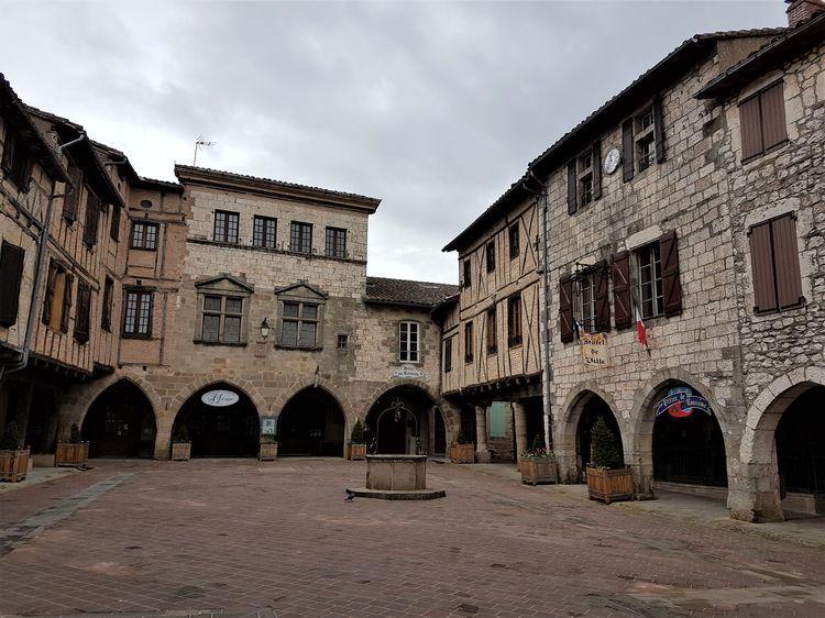 84 - Castelnau de Montmirail
