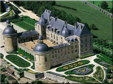 chateau_de_hautefort